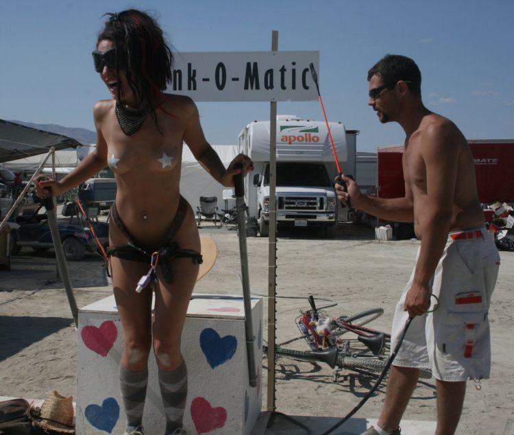 Girls from Burning Man Festival 2009 - 18