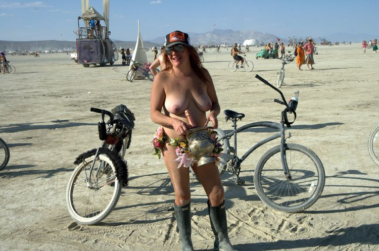 Girls from Burning Man Festival 2009 - 19