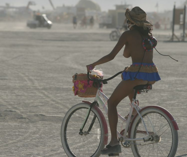 Girls from Burning Man Festival 2009 - 31