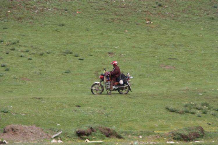 Burials in Tibet. NOT FOR SENSITIVE SOULS! - 03
