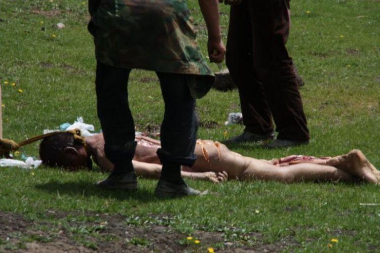 Burials in Tibet. NOT FOR SENSITIVE SOULS! - 11
