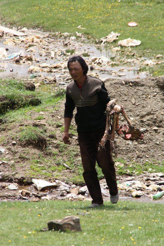 Burials in Tibet. NOT FOR SENSITIVE SOULS! - 38