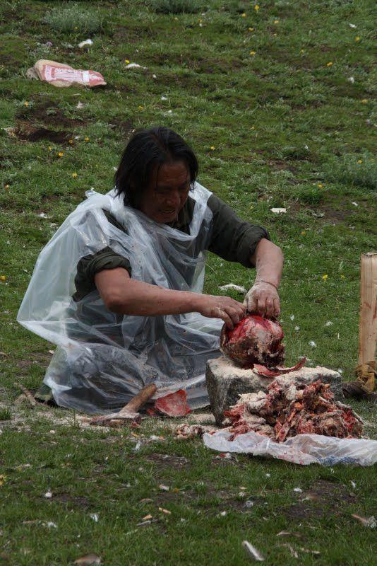 Burials in Tibet. NOT FOR SENSITIVE SOULS! - 50
