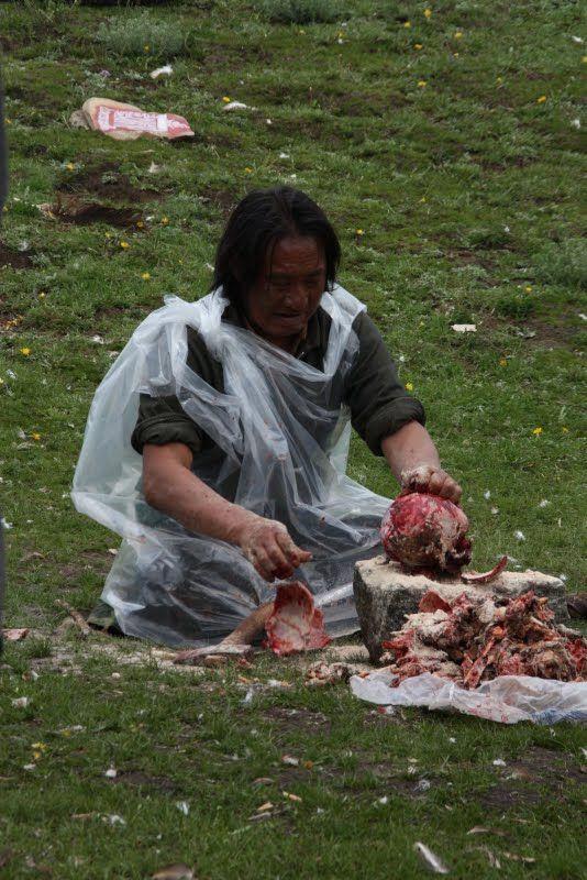 Burials in Tibet. NOT FOR SENSITIVE SOULS! - 51