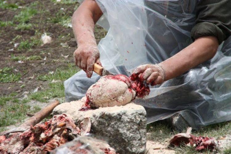 Burials in Tibet. NOT FOR SENSITIVE SOULS! - 52