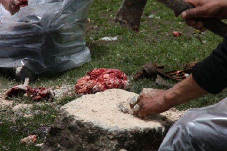 Burials in Tibet. NOT FOR SENSITIVE SOULS! - 53
