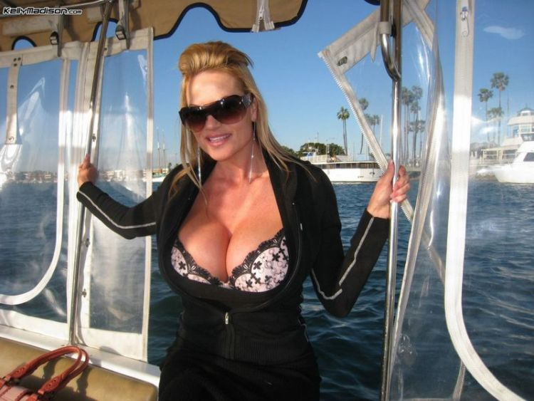 Well-known porn actress Kelly Madison and her huge tits - 00