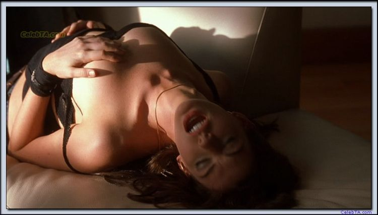 Scenes from the movie where Anne Hathaway is topless - 04