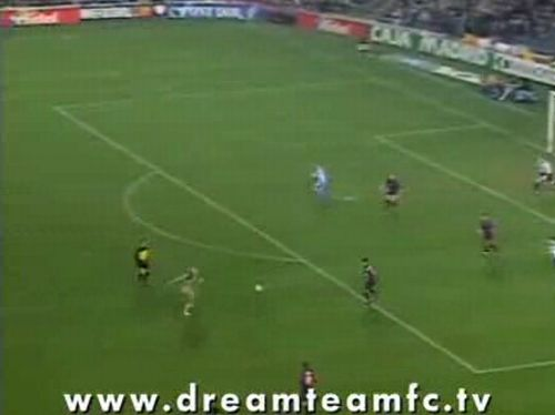 An incredible goal by a girl streaker - 20090925