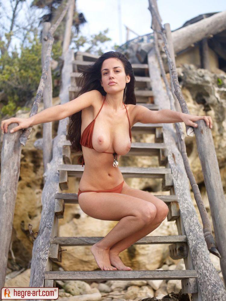 Muriel takes off her bikini. Too hot! - 05