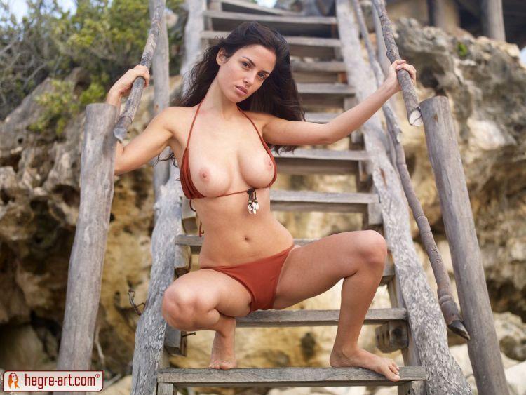 Muriel takes off her bikini. Too hot! - 07