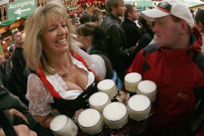 Пиво, сиськи и прочие радости на Октоберфесте в Мюнхене.