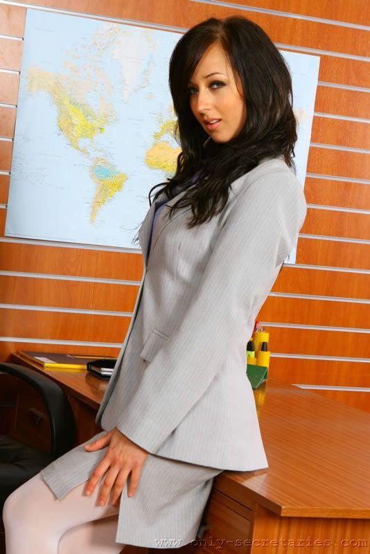 Sexy secretary - 01