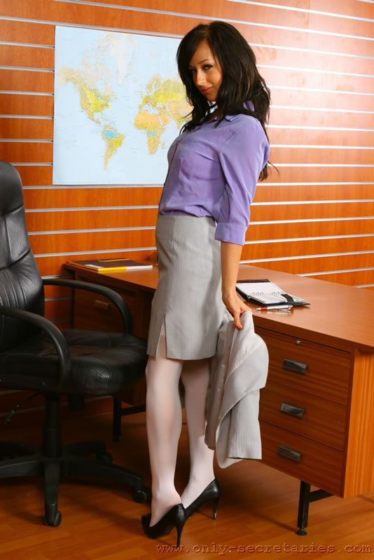 Sexy secretary - 08