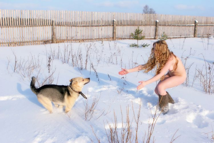 Walking naked in winter - 14