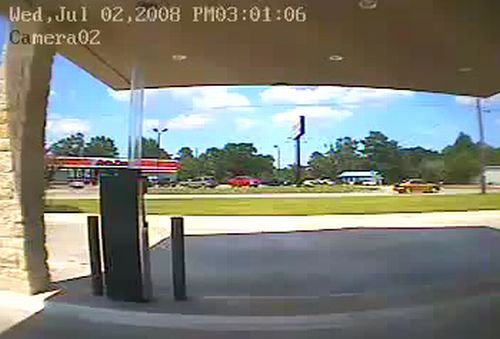 A really nice drive through the ATM Disaster. It's a pity, but most likely the driver was killed - 20091009