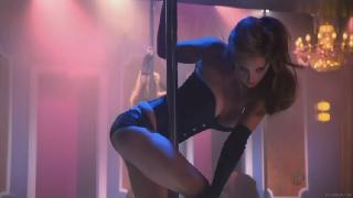 Topless Eva Amurri in a scene from Californication in the role of a stripper