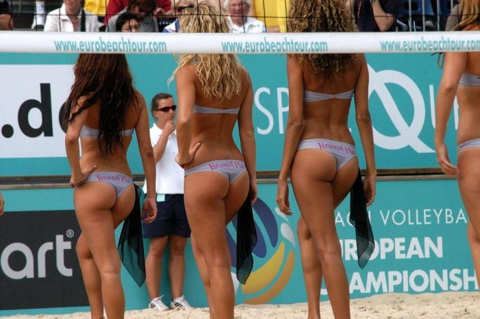 These sexy cheerleaders of beach volleyball - 00