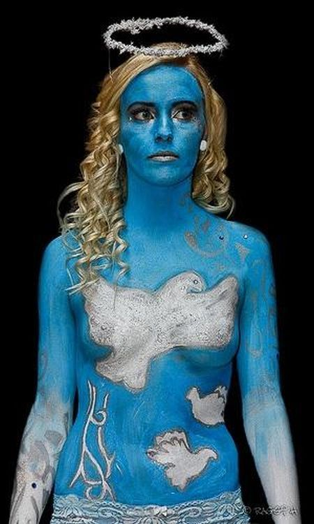 The coolest Halloween costumes. Body art rules! - 14