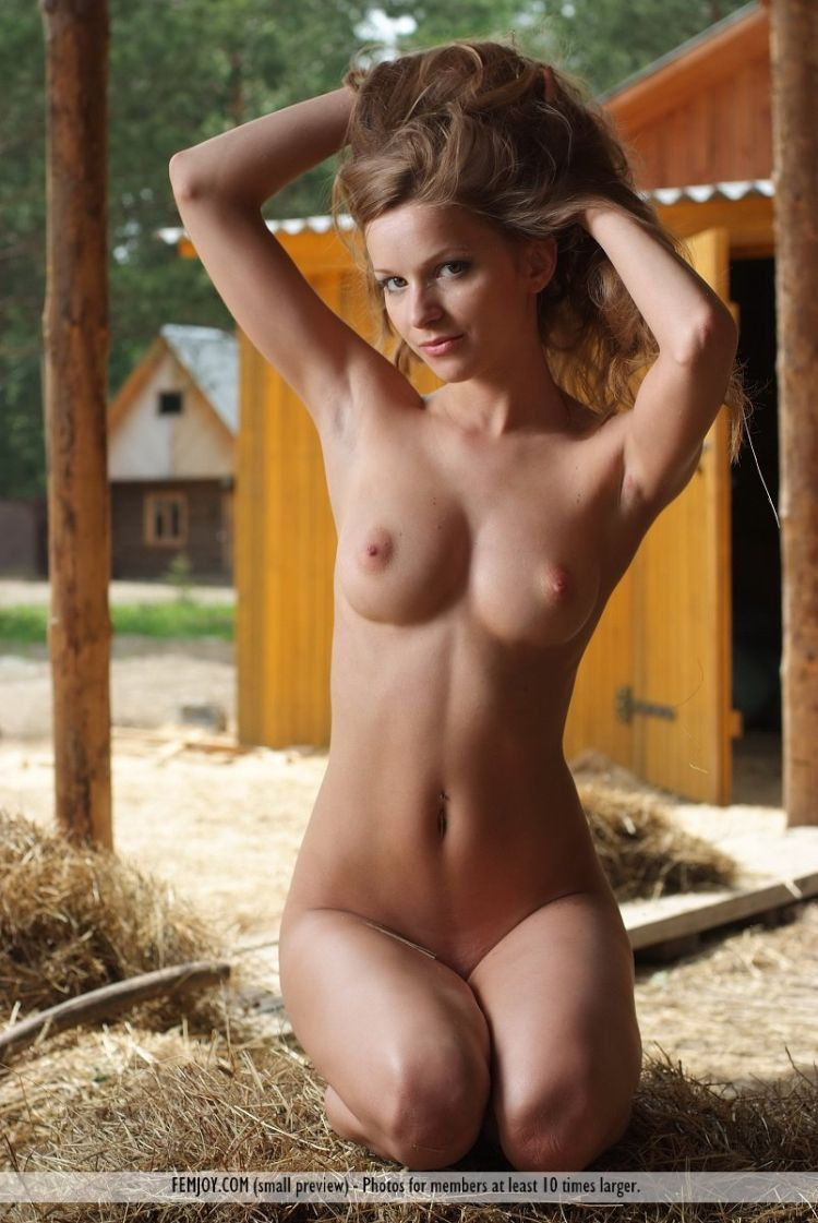 Conny shows her great body in the hayloft - 09