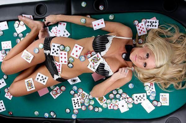 Hot Poker Chicks - 00