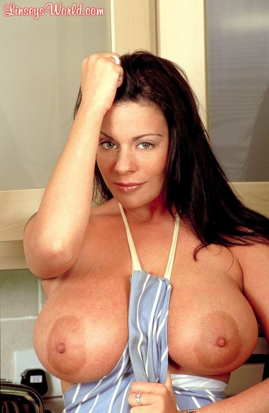 Linsey Dawn McKenzie, a chef with huge tits - 05