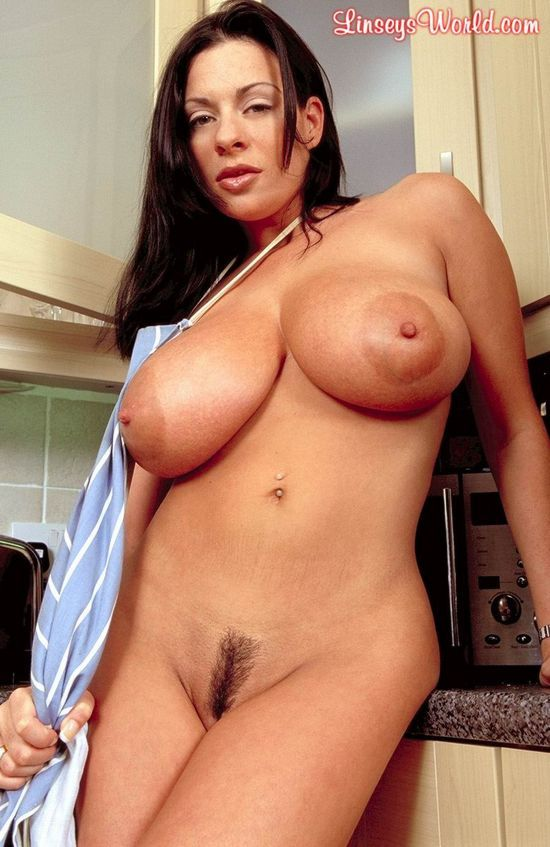 Linsey Dawn McKenzie, a chef with huge tits - 10