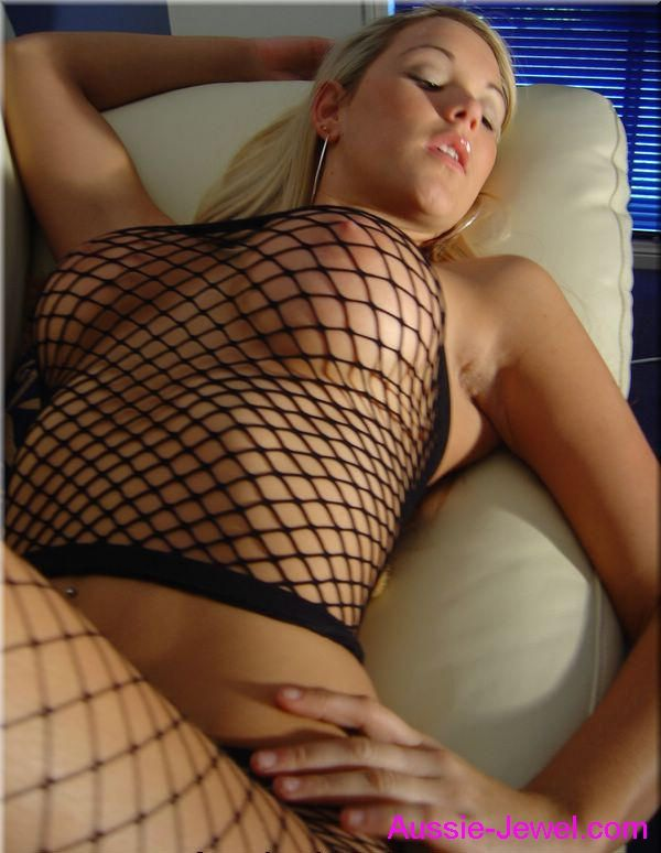Gorgeous blonde from Australia - 09