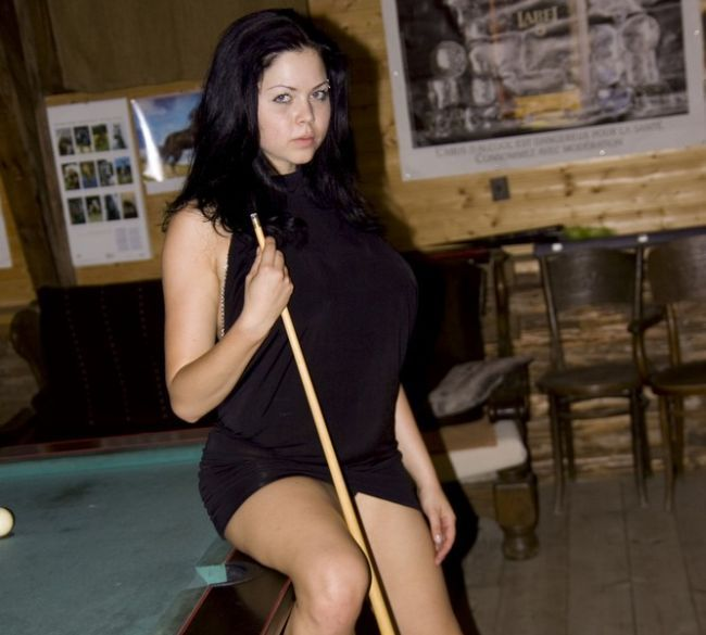 Playing billiard with naked busty Shione Cooper - 00