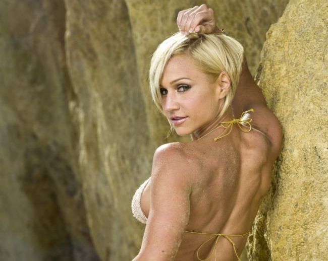 Jamie Eason - hot muchacha with athletic body - 00