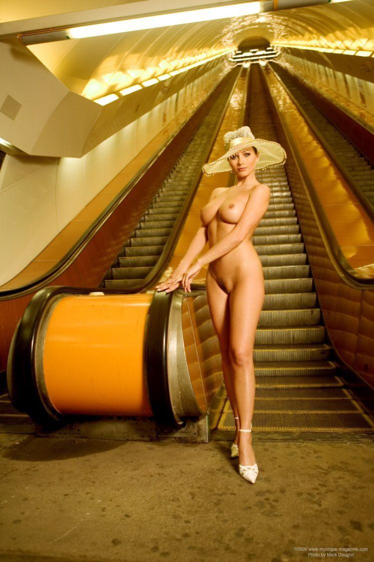 kyla cole nude escalator