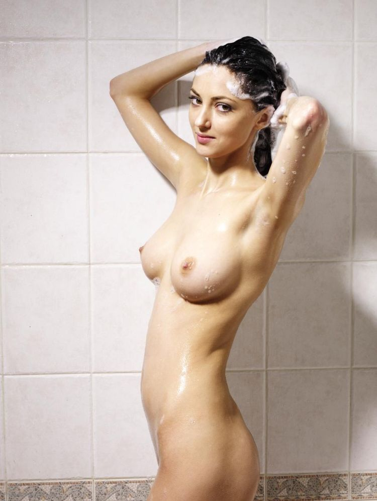 Anna S taking a cold shower - 12