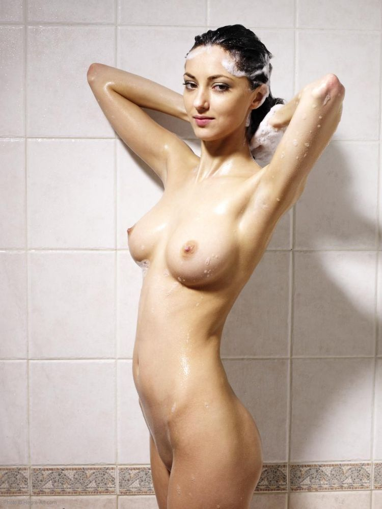 Anna S taking a cold shower - 13