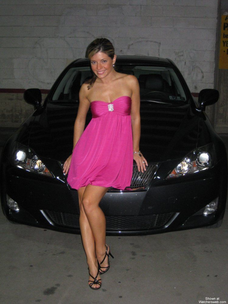 Amateur pictures of hot babes at a car - 01