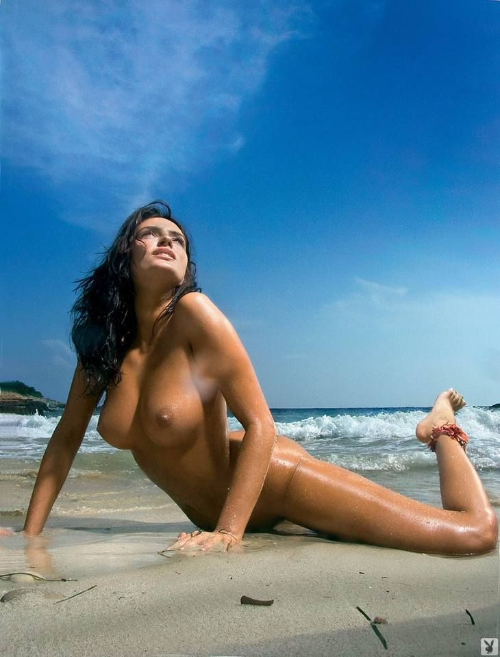 Magnificent Sylwia Romaniuk posing on the beach - 08