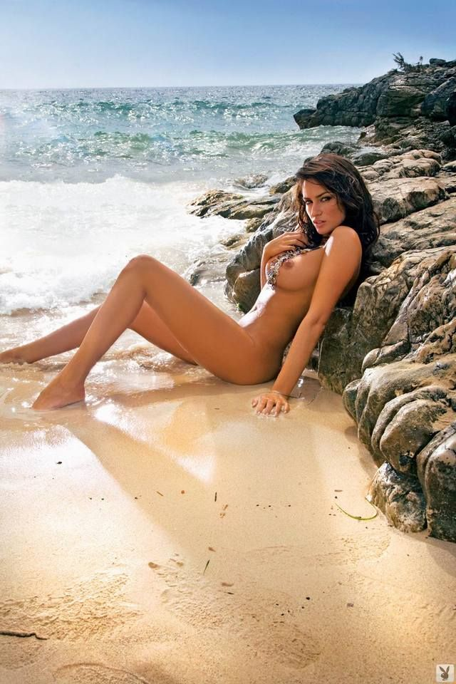 Magnificent Sylwia Romaniuk posing on the beach - 14