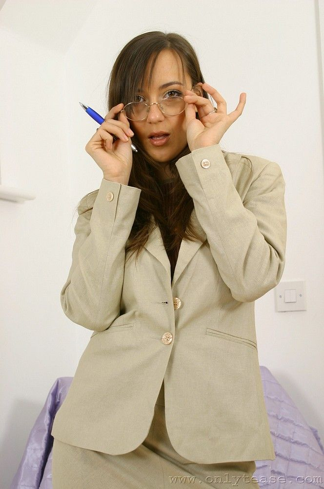 Sexy businesswoman Nadia - 02