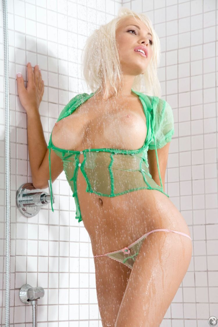 Gorgeous blonde Maria Malkanova in the shower - 07