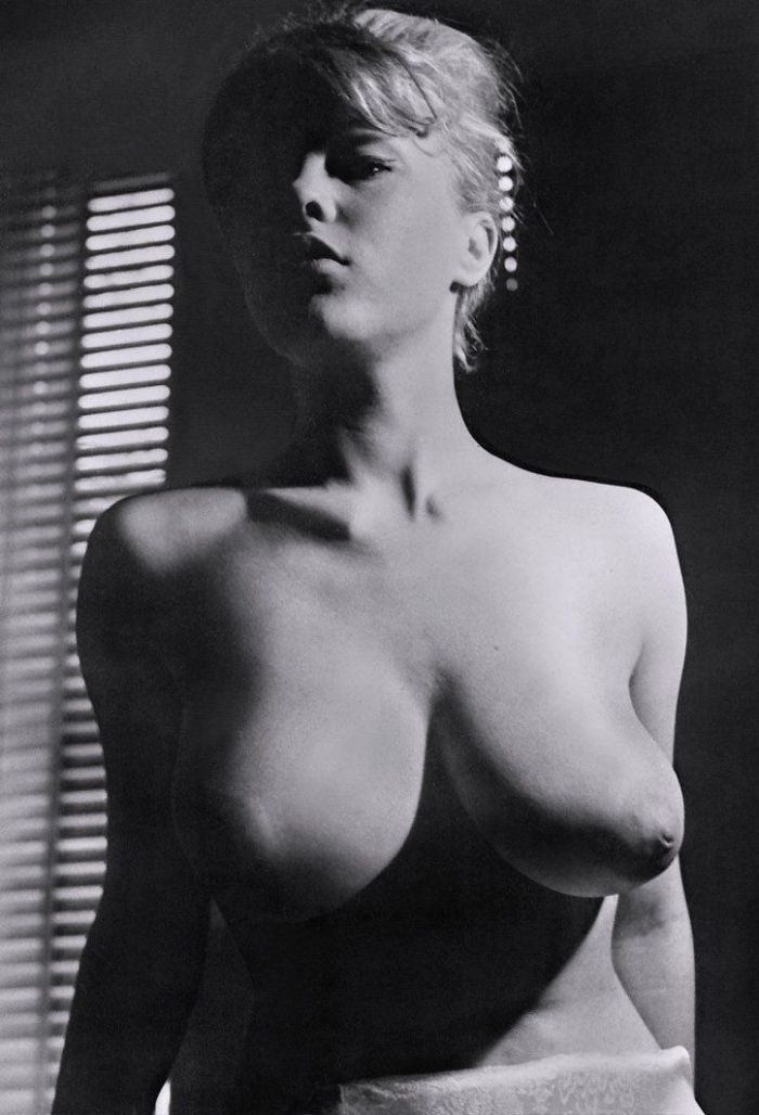 Large collection of erotic photos from the past - 13