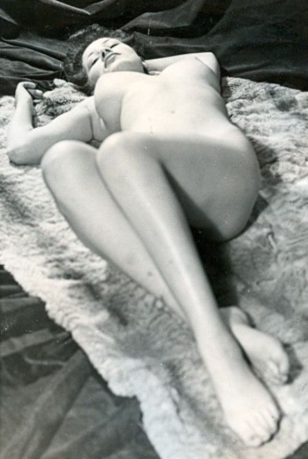 Large collection of erotic photos from the past - 15