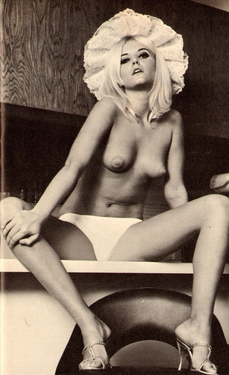 Large collection of erotic photos from the past - 44