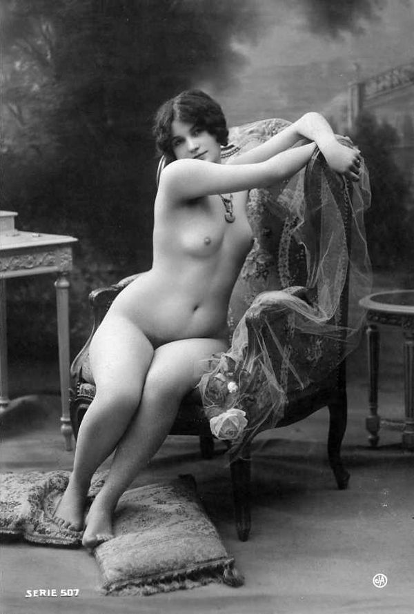 Large collection of erotic photos from the past - 48