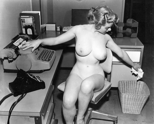 Large collection of erotic photos from the past - 64