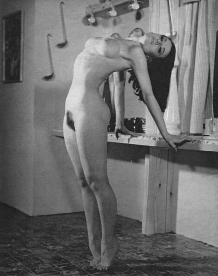 Large collection of erotic photos from the past - 71