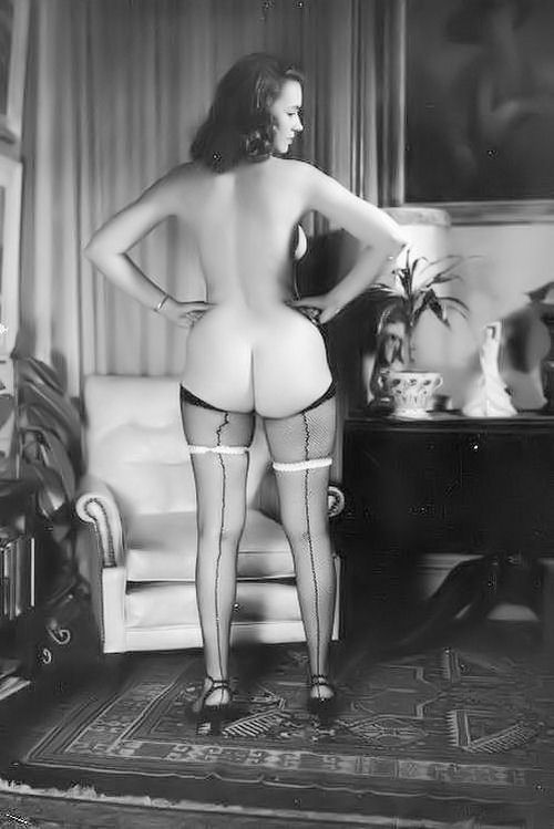Large collection of erotic photos from the past - 75