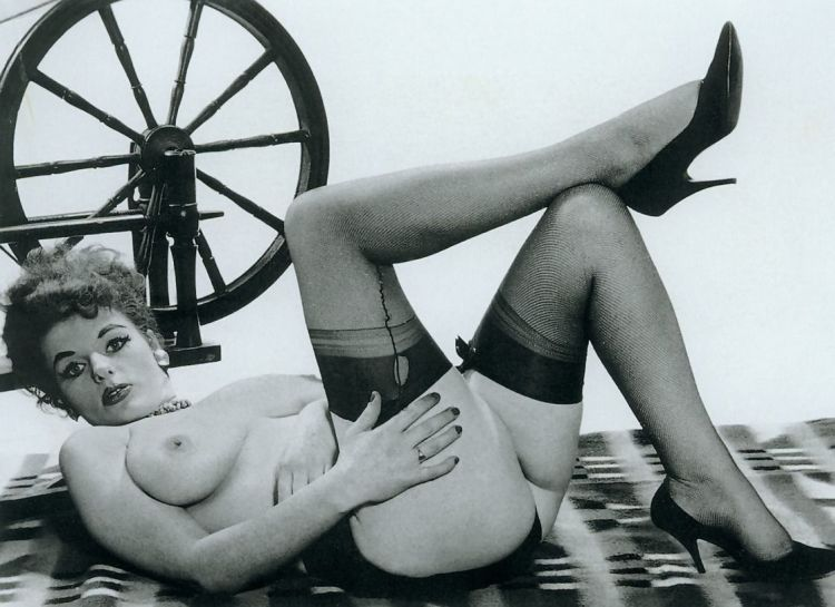 Large collection of erotic photos from the past - 97