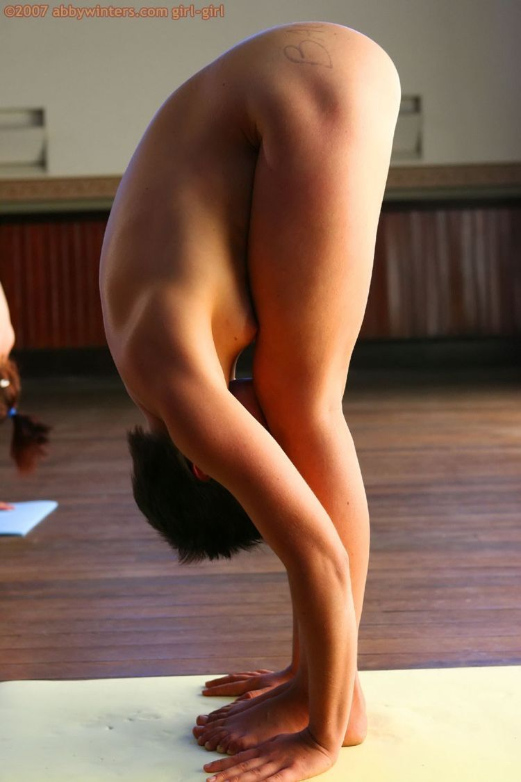 Naked girls do yoga - 18