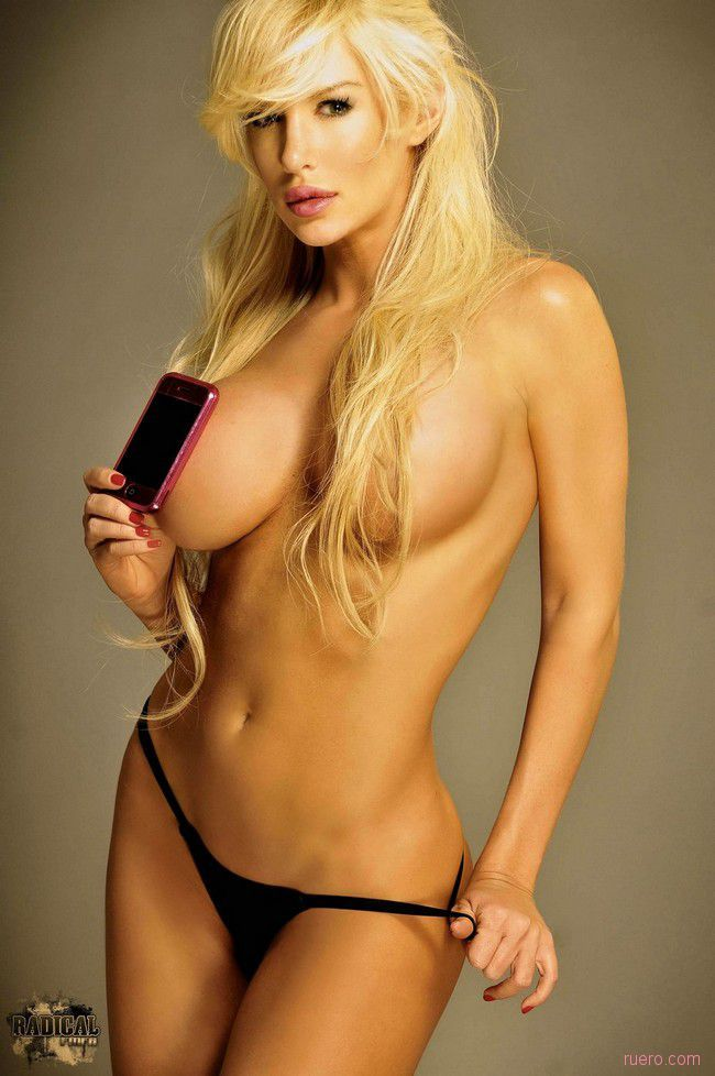 Stunning Blonde Luciana Salazar - 12