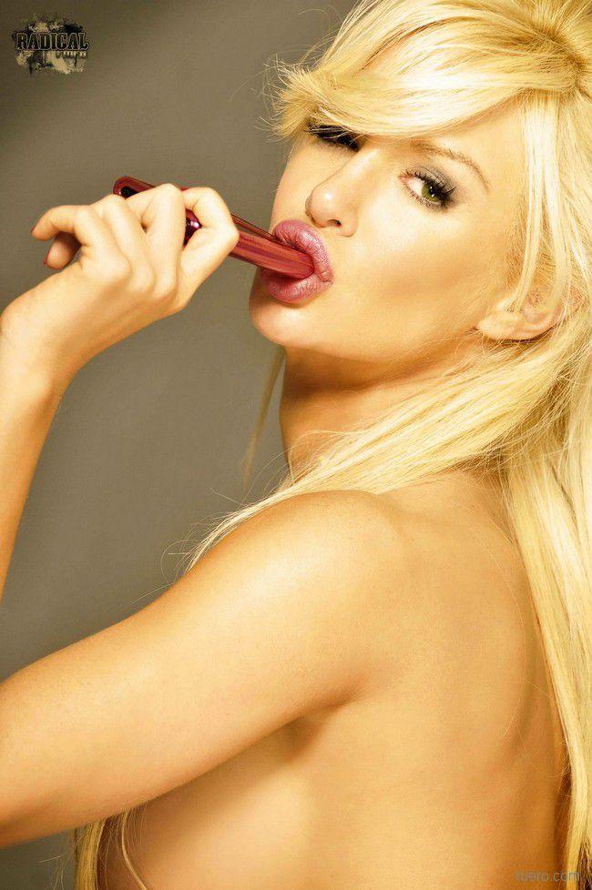 Stunning Blonde Luciana Salazar - 13