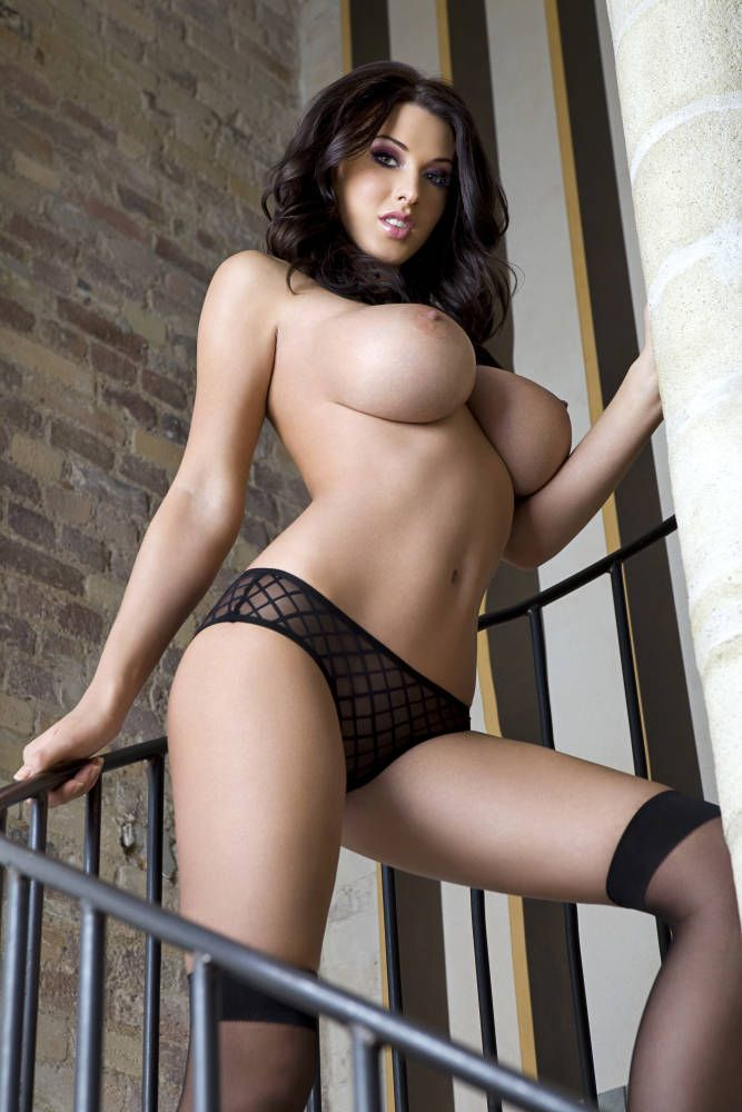 Gorgeous brunette Alice Goodwin - 03